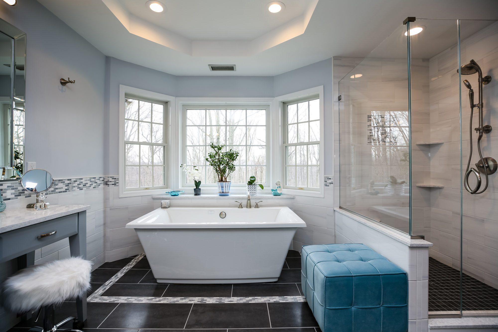 Fiore Freestanding Bath in White