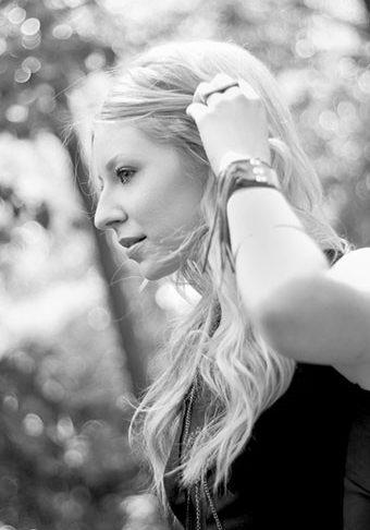 Lisa_Backus_Headshot_Web_340x510
